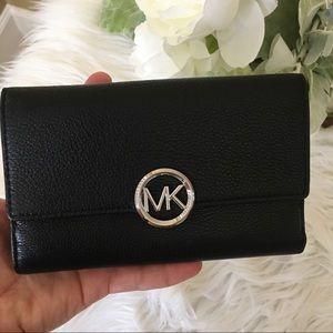 NWTMichael Kors Large Lillie carryall black wallet